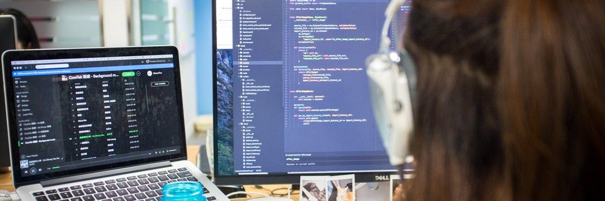 Con gái có nên học công nghệ thông tin và học ra thì làm gì?